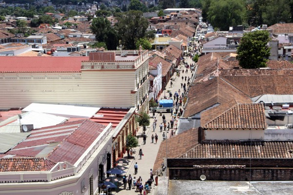Desde 1970 San Cristóbal de las Casas es una ciudad turística, que ha ido acondicionando andadores para los visitantes. Foto: Elizabeth Ruiz