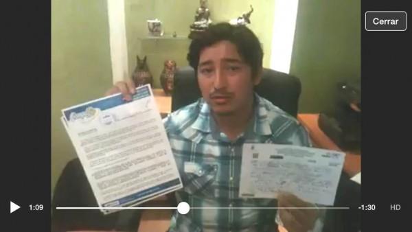 El empresario Rodríguez Rodríguez de Compuzip en su cobranza pública en un video difundido por redes sociales.