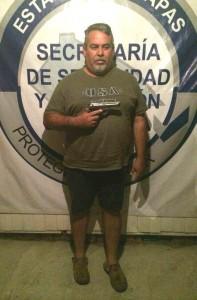 Al momento de su captura lleva una pietro beretta 9mlm y 20 grapas de cocaína.