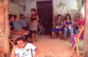 Las mujeres vecinas del Barrio Guadalupe de San Fernando ayudan a las familias que viven ahora esta tragedia.
