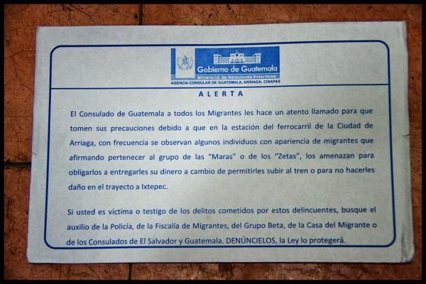 Alerta consulado contra asaltos a migrantes.