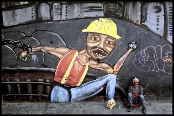 Migrante esperando trabajo.