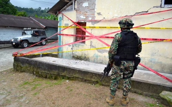 Casas dañadas por sismo y lluvias que impactaron la Costa de Chiapas en días recientes. Foto: Edgar Hernández