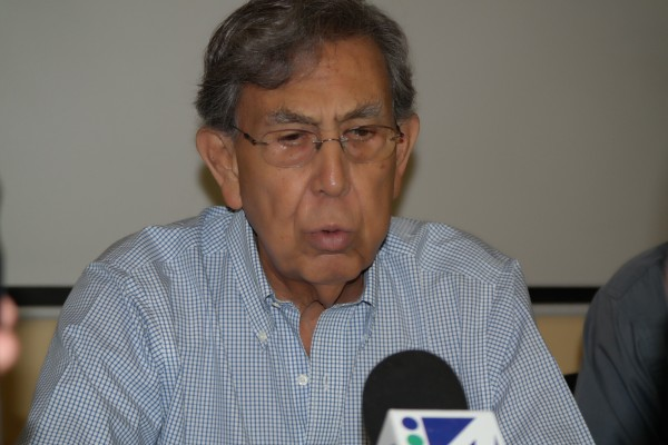 Cuauhtémoc Cárdenas pide  defender el petróleo. Foto: Amalia Avendaño