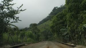 Abandonada la carretera Copainalá-Coapilla, después de quitarle la carpeta asfáltica
