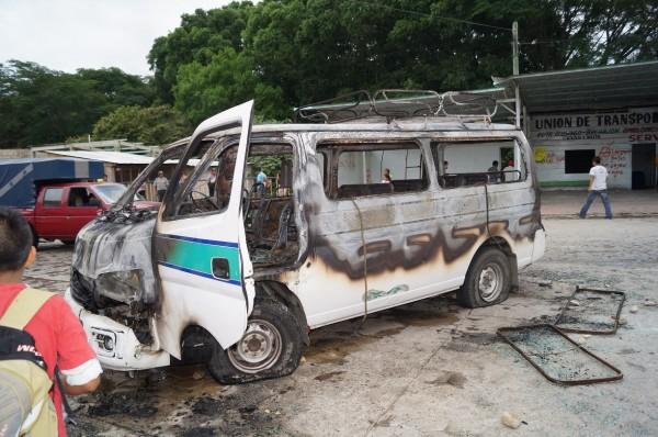 Daños materiales, lesionados y retenidos en gresca de transportistas