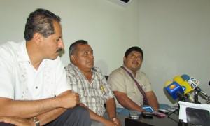 Estuvieron acompañados del abogado Miguel Ángel de los Santos Cruz.
