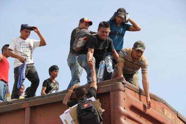 Los rostros de quienes buscan un mejor futuro fuera de su país. Foto: Elizabeth Ruiz