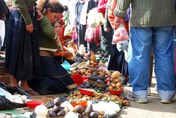 © Antes como ahora. Mujeres chamulas. Sxbal de Las Casas, Chiapas. 2010.