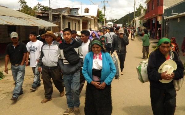 Retornan desplazados de San Antonio. Foto: Amalia Avendaño