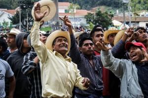 Elecciones en San Juan Chamula, municipio de los Altos de Chiapas que se rige por usos y costumbres. 1 de Julio de 2007. Foto: Ariel Silva