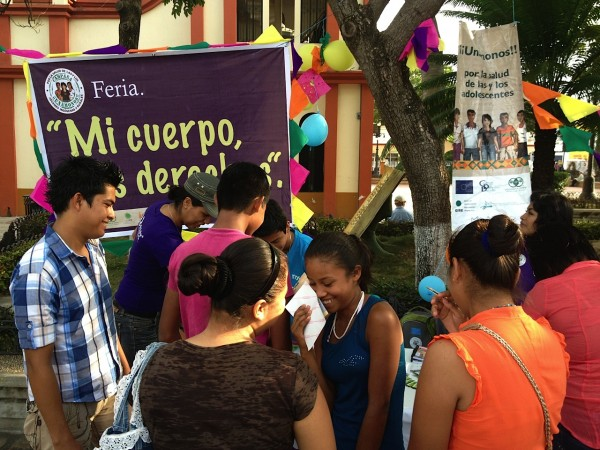 Feria sobre derechos sexuales y reproductivos. Foto: Dedesser