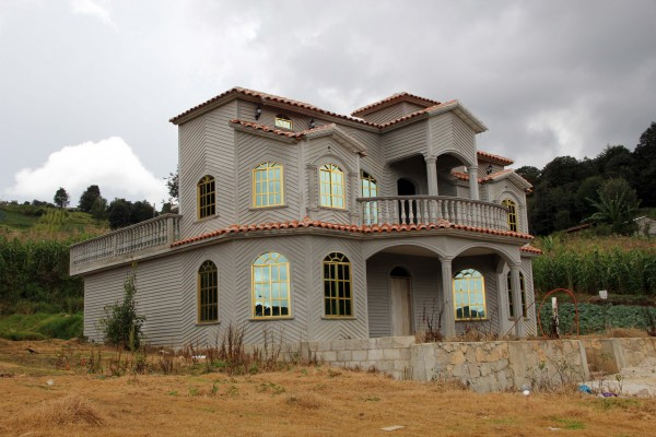 Migrantes de San Juan Chamula trabajan en Estados Unidos principalmente en el área de la construcción. Foto: Elizabeth Ruiz