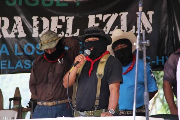 El comandante Tacho y el Subcomandante Moisés encabezaron el sábado 09 de agosto la clausura del encuentro zapatista con otros pueblos indígenas de México. Foto: Elizabeth Ruiz