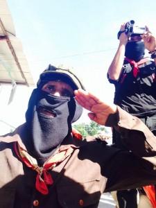 """""""Hoy nos reunimos para vernos el uno en el otro y nuestra lucha no acabará, pues si no nos han matado en 520 años de resistencia y rebeldía no lo harán ahora ni nunca"""". Foto: Isaín Mandujano"""