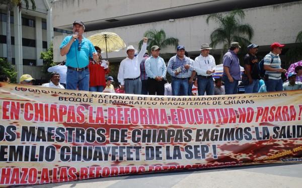 Maestros anuncian paro de labores. Foto: Elizabeth Ruiz