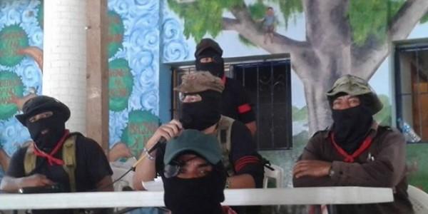 El Subcomandante Moisés, el Subcomandante Galeano y el Comandante Tacho en la conferencia de prensa para Medios Libres Alternativos. Foto: Medios Libres Alternativos/radiozapatista.org