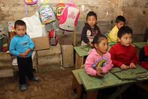 Es posible que Chiapas transite al semáforo verde en menos de 15 días, lo que significará el inminente reinicio de clases presenciales en más de 19 mil 850 escuelas de los diferentes niveles educativos.   Es cierto que regresar a clases pone en riesgo a los docentes, pero no tenemos otra alternativa, si queremos evitar un mayor rezago educativo, y al mismo tiempo reactivar la economía.