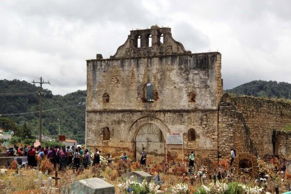 Panteón de San Juan Chamula. Foto: Elizabeth Ruiz