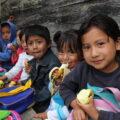 En medio de condiciones adversas, niños y niñas mantienen el deseo de aprender. Foto: Elizabeth Ruiz
