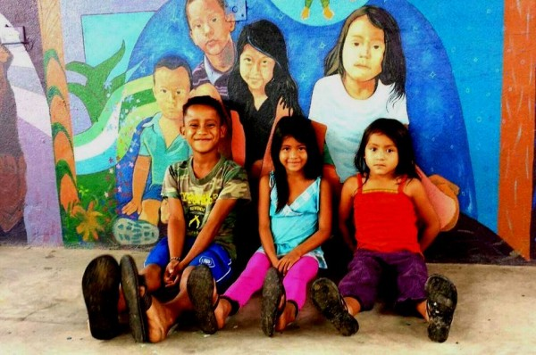 Niños migrantes, Tenosique, Tabasco, México. Foto: Saúl Kak