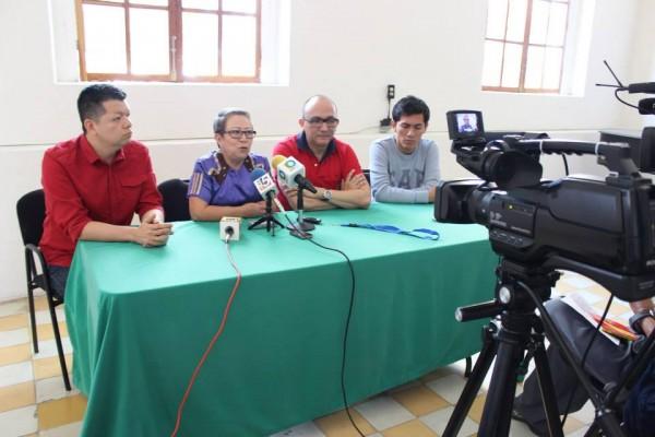 Promotores del rescate del Centro Social Francisco I. Madero ofrecieron ayer una conferencia de prensa. Foto: Fernando Vásquez/ Chiapas PARALELO.
