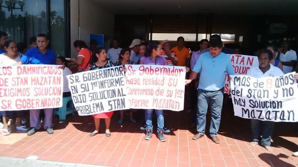 Protesta de damnificados por el huracán Stan. Foto: Cesar Rodríguez