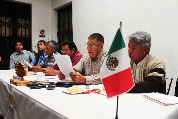Pobladores de la junta auxiliar de San Ana Xalmimilulco-Puebla denunciaron abusos.