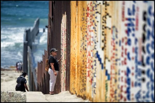 La linea migración y frontera. Foto: Prometeo Lucero