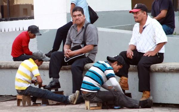 En Chiapas la Secretaria del Trabajo reconoce a 52 mil niños de entre 5 a 17 años, que desempeñan alguna actividad laboral. Foto: Benjamín Alfaro