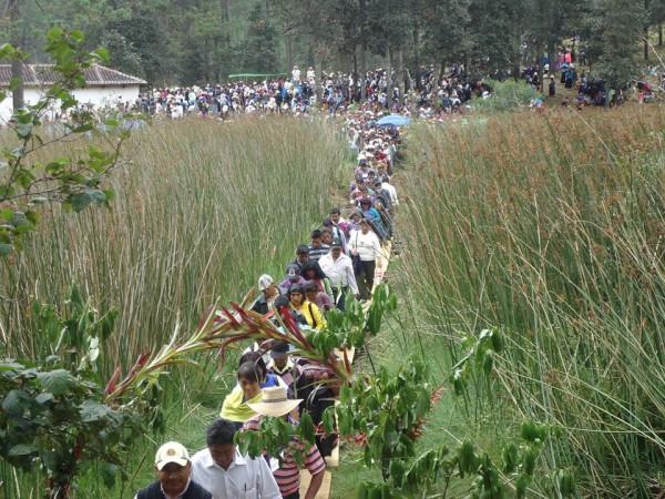 Pueblo creyente se moviliza para la defensa de su territorio. Foto: Gaspar Morquecho