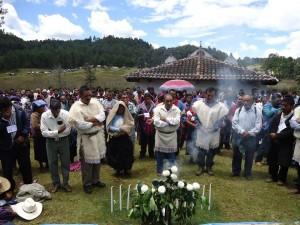 Habitantes de las comunidades indígenas se unen en la fe y en la vida cotidiana. Foto: Gaspar Morquecho