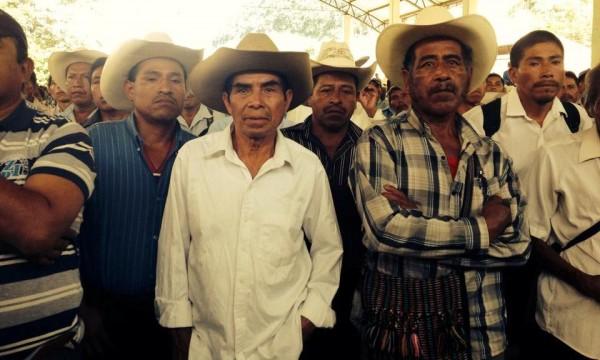 Indígenas tseltales del ejido San Jerónimo Bachajón, en asamblea. Foto: Isaín Mandujano/Chiapas PARALELO