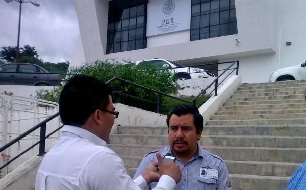 Juan Orel Vázquez Pérez, es un joven reportero de medios locales del municipio de Comitán, con tres años de labor periodística en los municipios fronterizos e indígenas. Foto: Nehemías Jiménez.