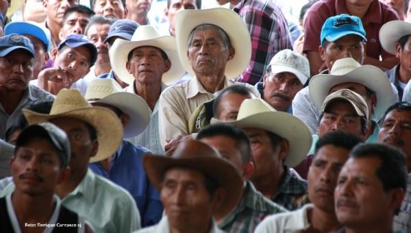 Unos dos mil representantes de casi 200 comunidades rechazaron haber autorizado que pase por su territorio la autopista San Cristóbal-Palenque. Foto: Enrique Carrasco SJ