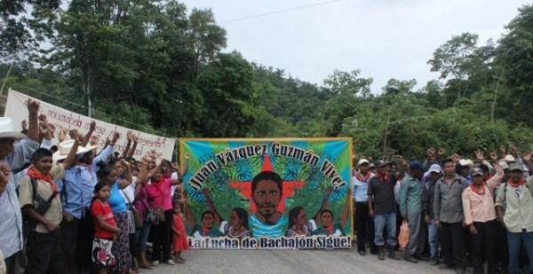Indígenas de San Sebastián Bachajón exigen la libertad de sus presos.