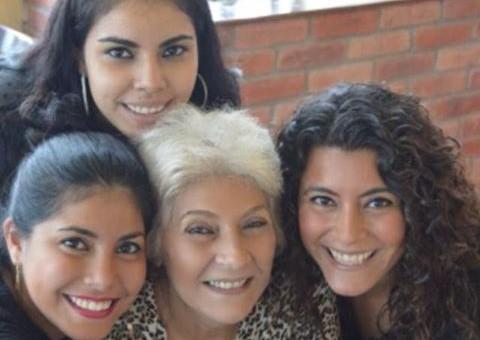 Doña Luz Hortensia Castro Mendoza  y sus tres hijas que luchan por su libertad contra el tráfico de influencias en la PGJE y el Poder Judicial del Estado de Chiapas.