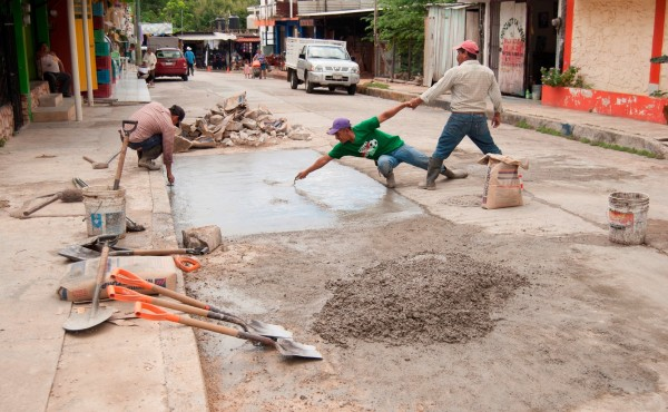 Bacheando calles en Palenque, Chiapas. Foto: Archivo