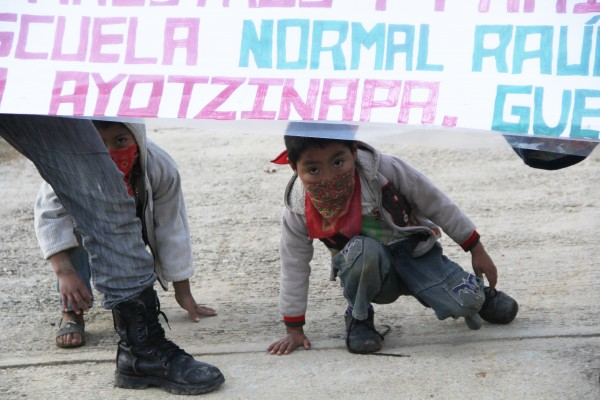 Children of the EZLN in support Ayotzinapa.  Photo: Elizabeth Ruiz