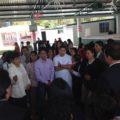 Protesta de padres contra maestro que humilla a estudiantes. Foto: Emilio Hernández