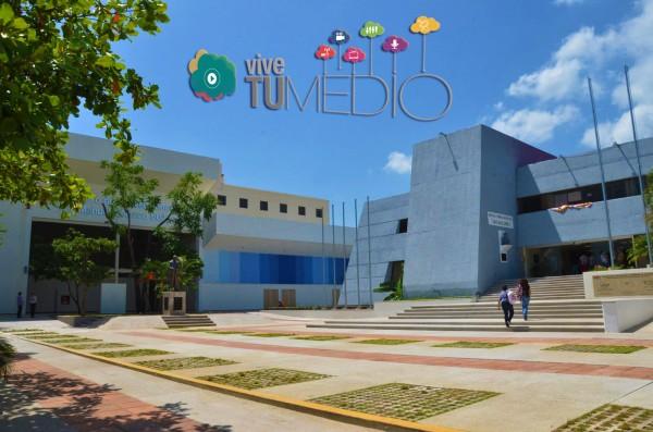 Organizado por la UNACH y el SCHRTyC.  La escritora Elena Poniatowska dictará una conferencia el 15 de octubre. Conferencistas de España y México estarán presentes del 14 al 17 de octubre