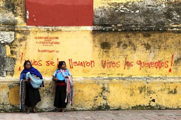 ¡Vivos se los llevaron, vivos los queremos!: Foto: Elizabeth Ruiz