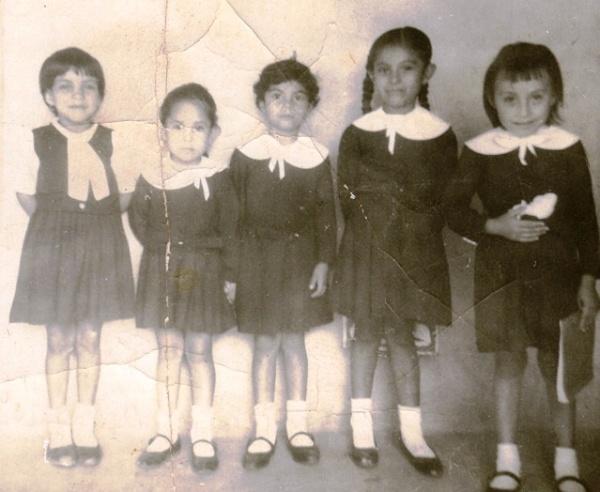 © Del colegio Juan XXIII, vestidas de gala. La Concordia, Chiapas (c1972)