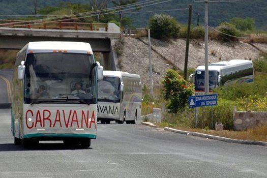 Caravana de familiares y compañeros de los 43 desaparecidos de Ayotzinapa llega a Chiapas. Foto: Radio Pozol