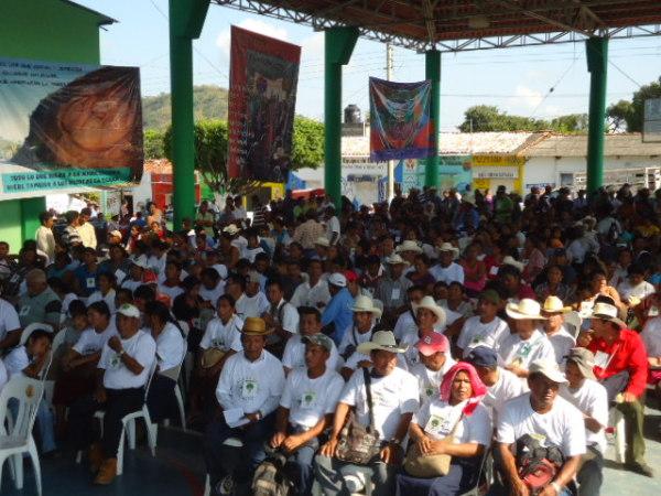 En el foro se aplaudió la lucha que emprendió Mariano Abarca, opositor a la mina canadiense Blackfire. Foto: Mariano Abarca