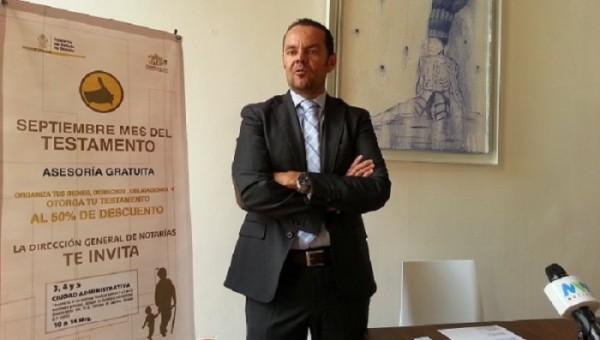Gustavo Manzano Trovamala Heredia, Director de Notarías del Gobierno del Estado.