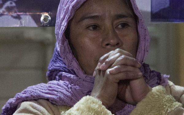 Las Dolorosas de Ayotnizapa en su esencia rural mestiza e indígena con abolengos de luchas, poseen la resistencia amorosa   y justiciera de Las Madres de la Plaza de Mayo  en Argentina. Foto: Moysés Zúñiga Santiago
