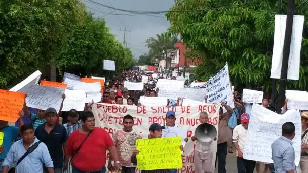 Pobladores de Salto de agua acusan al edil de enriquecimiento ilícito y vínculos con la delincuencia organizada. Foto: Cortesía