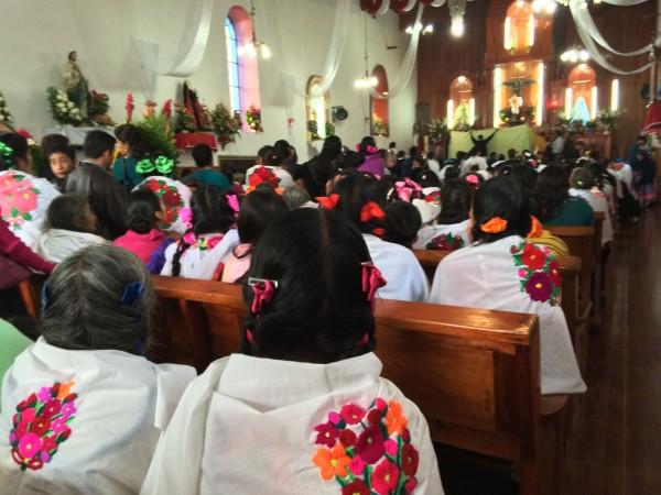 Mujeres rezadoras de Huixtán. Foto: Ángeles Mariscal/Chiapas PARALELO