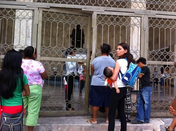 Cerrada las puertas del Congreso del Estado. Foto: Sandra de los Santos/ Chiapas PARALELO.